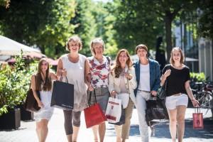 Frauen beim Shoppen in Giessen