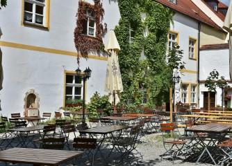 DEHOGA Hessen informiert unter anderem zum Beherbergungsverbot, Urlaubsrückkehrern und Phase 2 der Überbrückungshilfe